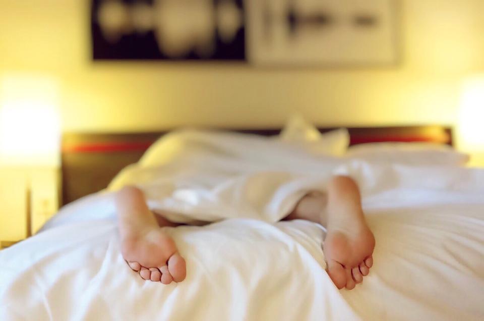 Álmatlanság tünetei és következményei